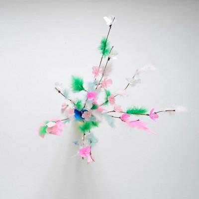 Pääsiäispupu ja kirsikankukkaiset virpomisvitsat
