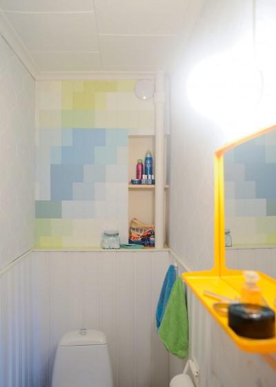 Tapetoi seinä värilastuilla