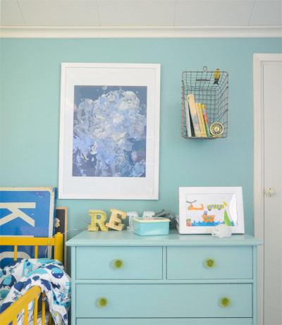 Drawing storage for kids' art