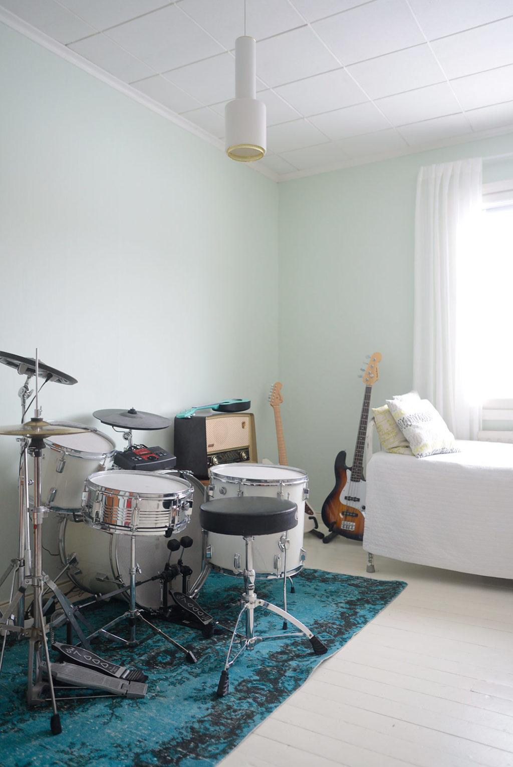 Ihana vintage-matto olohuoneeseen Rozenkelimiltä